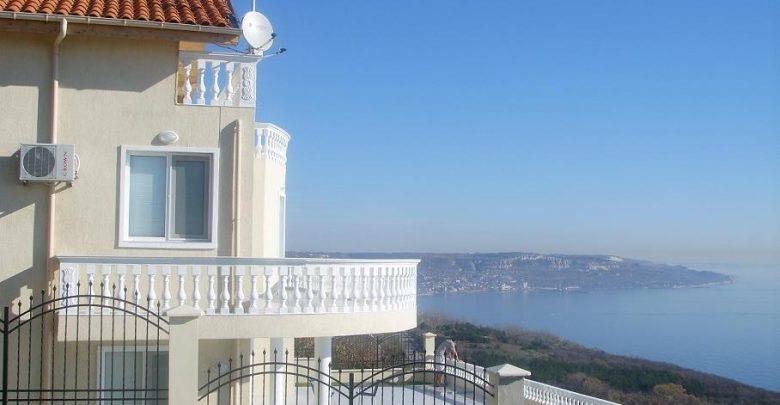 Виллы в болгарии у моря аренда виллы кипр на берегу моря